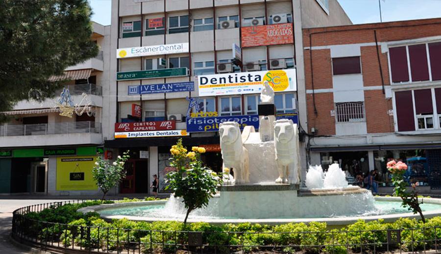 La clinica dental en frente de la Cibelina