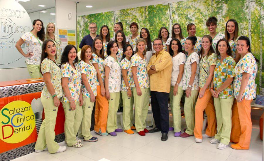 los auxiliares y dentistas de nuestra consulta